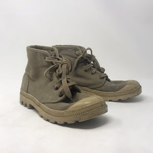 Palladium  Pampa Hi Canvas Shoes in Boue